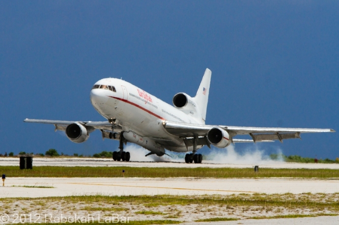 Stargazer landing at Kwajalein, with the Pegasus rocket attached to the belly